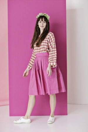 Checkered summer blouse with puffy sleeves