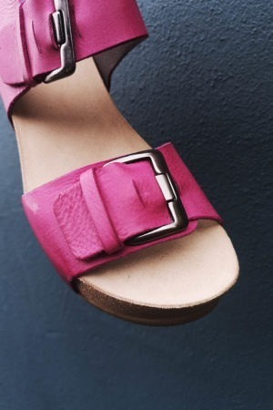Pink sandal with wedge heel from Lofina