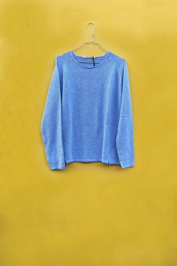 Blue sweater from Mansted with zippers