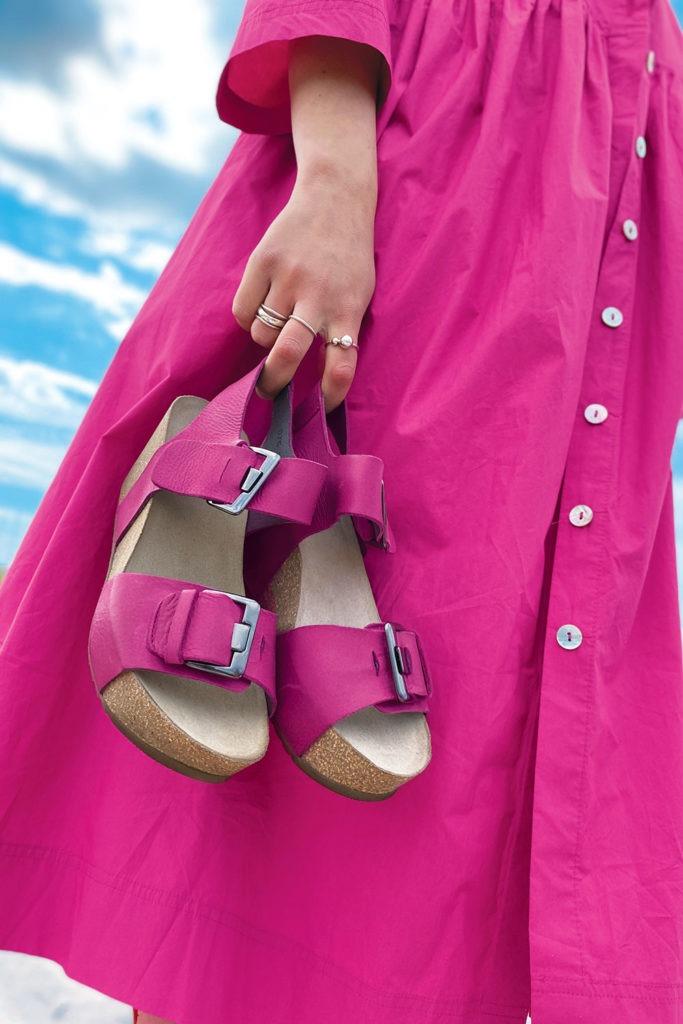 pink sandaler